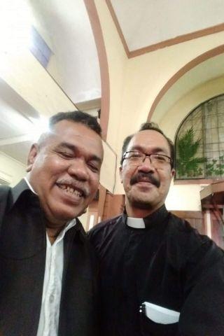 Suasana pertemuan dengan Pdt Sony / Dekan fakultas theologi Ambon